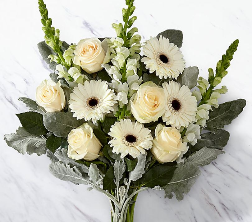 Ramo De Gerberas Rosas Blancas Y Otra Flor De La Estacion