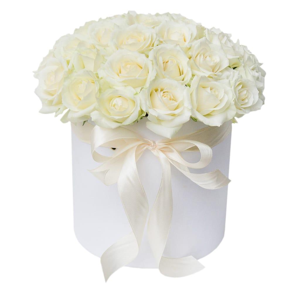 Moderno Arreglo Floral De Rosas Blancas